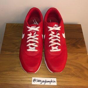 Nike Shoes - Nike Air Max 90
